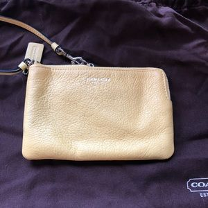 NEVER USED * Coach Wristlet *